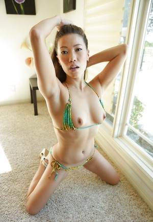 Chinese Milfs Porn Pics