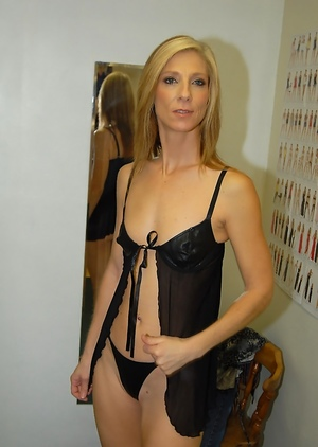 Small Tits Milf Porn Pics