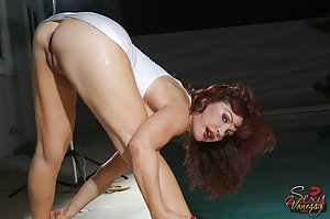 Milf Pool Sex Pics
