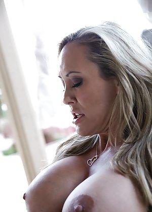 Big Nipple Milf Pics