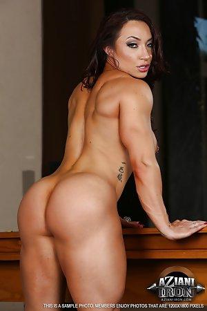 Muscle Milf Pics