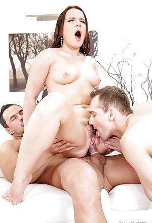 Bisexual Milf Pics